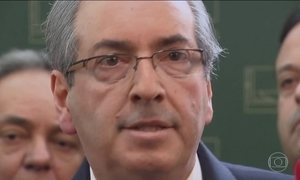 Justiça Federal do Paraná decreta bloqueio dos bens de Cunha