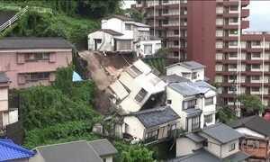 Chuvas fortes provocam enchentes e deslizamentos no sul do Japão