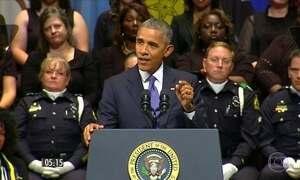 Obama participa de homenagem a policiais mortos em Dallas