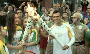 Tocha olímpica passa por cidades de Santa Catarina
