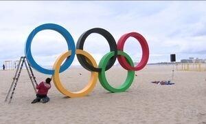 Aros Olímpicos são inaugurados na Praia de Copacabana, no Rio