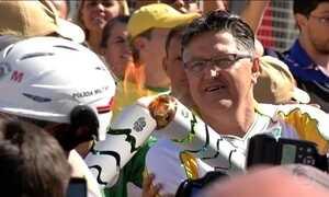 Tocha olímpica percorre cidades da Grande São Paulo nesta terça-feira (26)