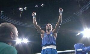Robson Conceição garante medalha para o Brasil no boxe