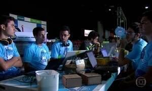 Campus Party atrai milhares de estudantes no Recife