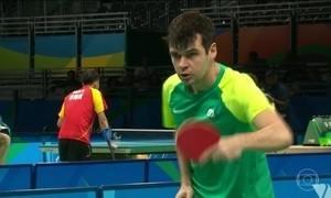 Israel Stroh conquista medalha inédita no tênis de mesa paralímpico