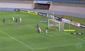 Goiás goleia o Paraná pela série B do Campeonato Brasileiro