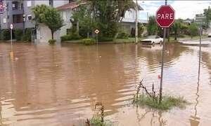 Quase 800 famílias estão fora de casa por causa da chuva no Rio Grande do Sul