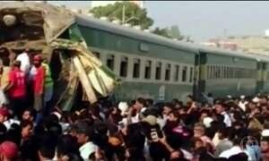 Batida entre dois trens de passageiros deixa 19 mortos no Paquistão