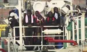 Mais de 2,2 mil refugiados são resgatados em dois dias no Mar Mediterrâneo