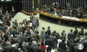 Governo diz que aprova medidas de cortes de gastos e anticorrupção