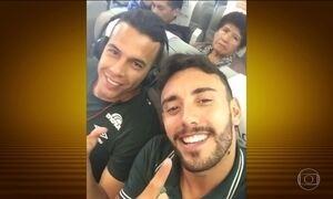 Lateral Alan Ruschel postou vídeo nas redes sociais dentro do avião