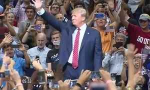 Trump diz que vai deixar comando de empresas