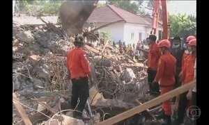 Terremoto atinge Indonésia e deixa 96 mortos