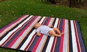 Empresária cria tapetes impermeáveis para usar no parque e na praia