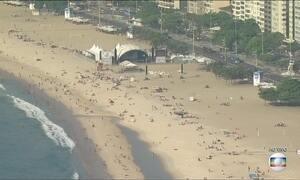 Copacabana está quase pronta para a maior festa de réveillon do país