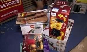 Lojas liquidam o que sobrou do Natal e do Ano Novo