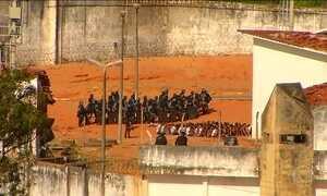 Mais de 150 presos escapam durante rebelião em Bauru