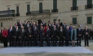 Líderes da EU anunciam medidas para conter imigração da África para Europa