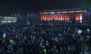 Manifestantes continuam protestando contra o governo da Romênia