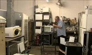 Consertos de aparelhos eletrônicos crescem no país