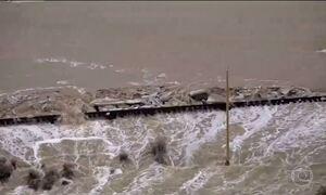 Rompimento de represa provoca enchente em Nevada (EUA)