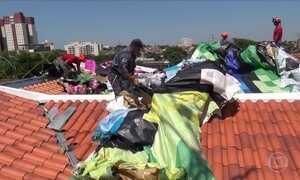 Balão de 48 metros cai e coloca em risco seis casas em cidade de SP