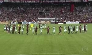 Clássico no Paraná é cancelado e torcedor morre baleado por PM