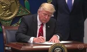 Donald Trump completa um mês na presidência dos Estados Unidos
