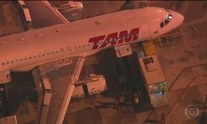 Turbina de avião superaquece e assusta passageiros, em São Paulo
