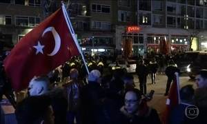 UE diz que Turquia está fora da realidade ao chamar holandeses de fascistas