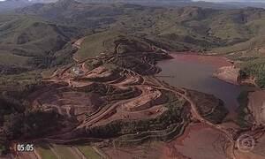 Rejeitos de minério atingem rios de MG após vazamento de dutos da Vale