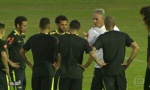 Brasil treina para partida contra o Uruguai
