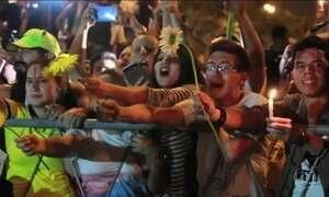 Milhares de pessoas protestam em frente ao Congresso paraguaio