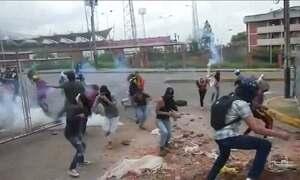 Protesto na Venezuela contra governo deixa mais de 20 feridos