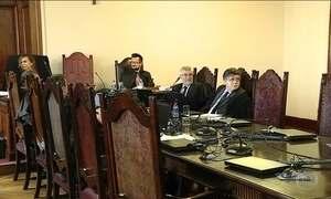 TJ de SP manda a novo júri 74 PMs acusados do massacre de Carandiru