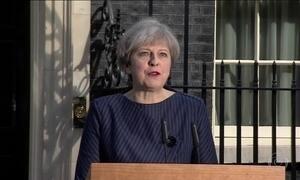Theresa May anuncia que vai antecipar eleições no Reino Unido
