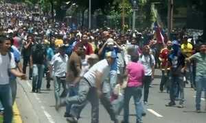 Brasil é refúgio de venezuelanos e haitianos