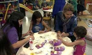 Meninas em tratamento no Graac e acompanhantes têm Dia das Mães antecipado