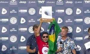 Adriano de Souza é campeão da etapa brasileira do Circuito Mundial de Surfe