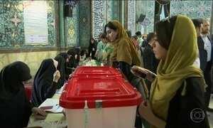 Iranianos vão às urnas em uma das eleições presidenciais mais disputadas