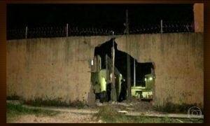 Bandidos explodem muro de presídio no Maranhão e 30 presos fogem
