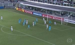 Santos vence de goleada e garante o primeiro lugar no grupo da Libertadores
