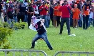 Protesto espalha destruição em Brasília e Temer chama Forças Armadas