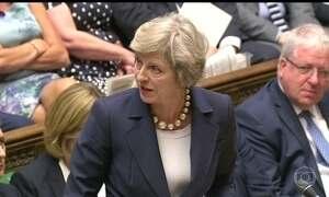 Theresa May descarta renunciar ao cargo mesmo depois de perder a maioria no Parlamento