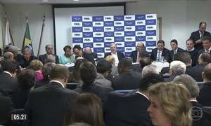 Lideranças políticas do PSDB decidem permanecer no governo Temer