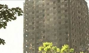 Sobe para 17 o número de mortos no incêndio de um prédio em Londres
