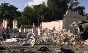 Ataque de carro-bomba a hotel de Mogadíscio deixa 19 mortos