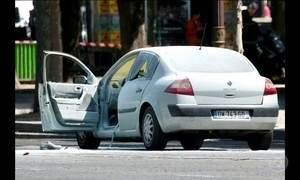 Ministro da França diz que batida e incêndio em viatura foi tentativa de atentado