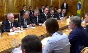 Temer 'vende' aos russos um Brasil que parece dar certo