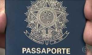 Processo de emissão de passaportes é complexo e segue suspenso